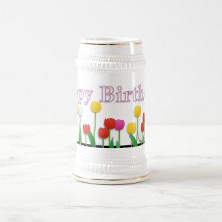 Mariposa del feliz cumpleaños jarra de cerveza