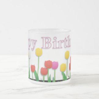 Mariposa del feliz cumpleaños taza de cristal
