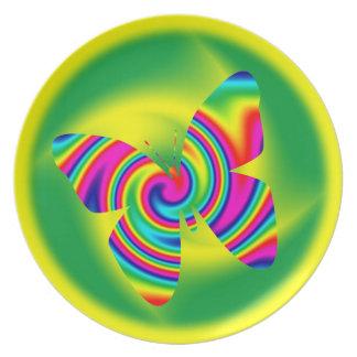 Mariposa del giro del arco iris plato para fiesta