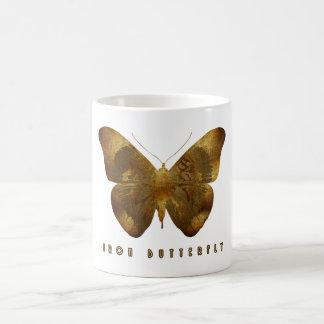 Mariposa del hierro taza básica blanca