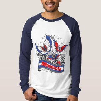 Mariposa del patriotismo de Minnesota Playera