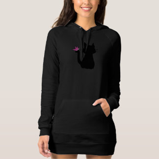 Mariposa del rosa de la silueta del gato negro camisas