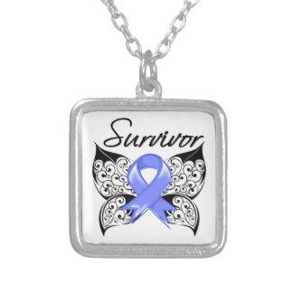 Mariposa del superviviente del cáncer de estómago colgante