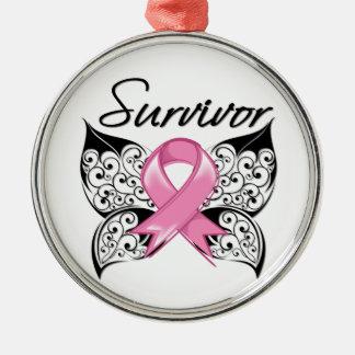Mariposa del superviviente del cáncer de pecho adorno navideño redondo de metal