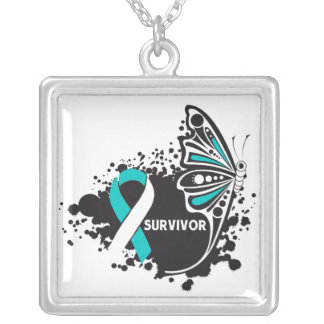 Mariposa del tatuaje del superviviente del cáncer  colgante cuadrado