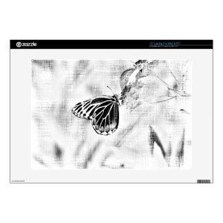 Mariposa del vintage en la flor - blanco y negro calcomanías para portátiles