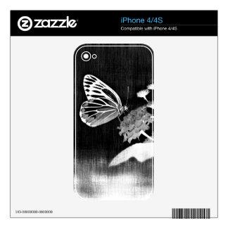 Mariposa del vintage en la flor - blanco y negro iPhone 4 skins
