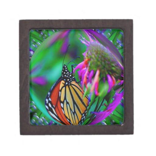 Mariposa en caja de regalo del arte de la fantasía cajas de recuerdo de calidad