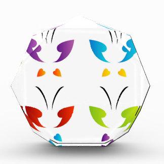 Mariposa en colores del arco iris