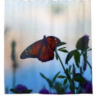 Mariposa en cortina de ducha del trébol púrpura cortina de baño