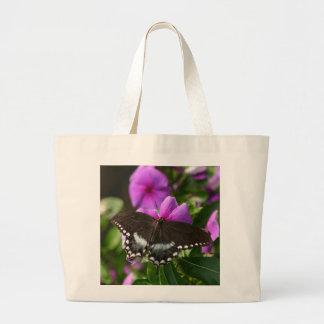 Mariposa en la flor bolsa