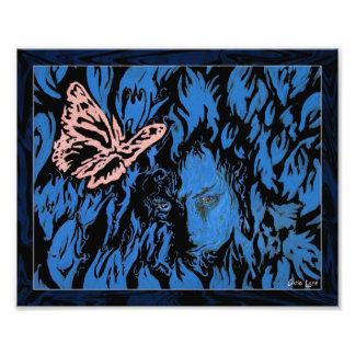 Mariposa en la impresión de la foto de los tulipan