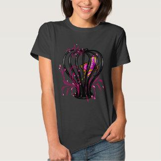 mariposa en la jaula en forma de corazón negra, camisas