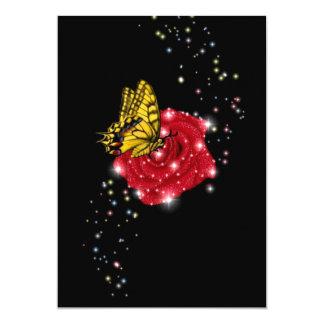 """Mariposa en rosa roja invitación 5"""" x 7"""""""