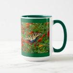 Mariposa entre las tazas de café del Lantana