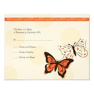 """Mariposa fresca del naranja y blanca que casa RSVP Invitación 4.25"""" X 5.5"""""""