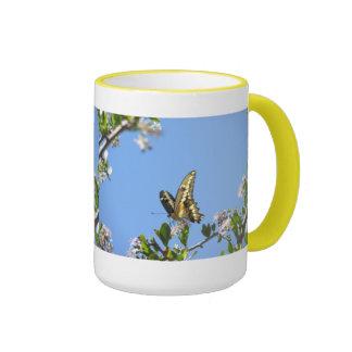 Mariposa gigante de Swallowtail Taza A Dos Colores
