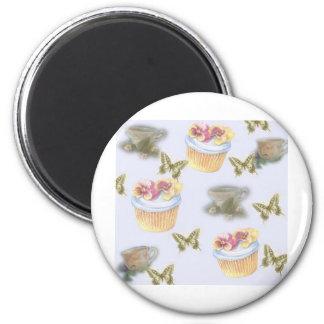 mariposa ilustrada de la taza de té de la magdalen imán redondo 5 cm