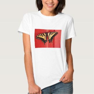 mariposa inusual del swallowtail del fondo poleras