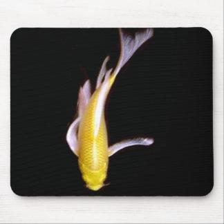Mariposa Koi del limón Alfombrillas De Raton