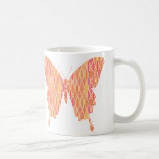 Mariposa, modelo abstracto en rosado, anaranjado,  taza de café