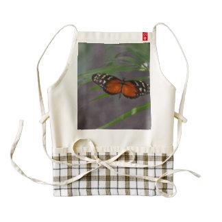 Mariposa natural delantal zazzle HEART