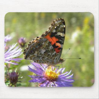 Mariposa pintada de la señora alfombrillas de ratones