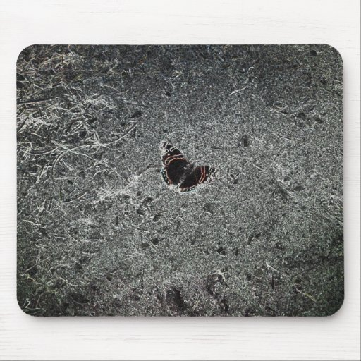 Mariposa psicodélica negra tapetes de raton
