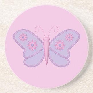 Mariposa púrpura con las flores rosadas posavasos personalizados