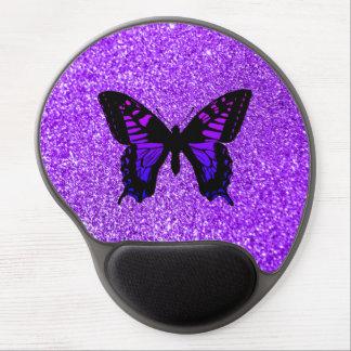Mariposa púrpura en brillo alfombrilla con gel