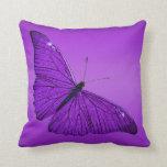 Mariposa púrpura oscura de los 1800s del vintage cojin