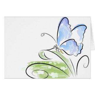 Mariposa que se sienta en hierba sobre campo de fl tarjeta de felicitación