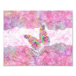 Mariposa rosada caprichosa brillante de Paisley de Fotografías