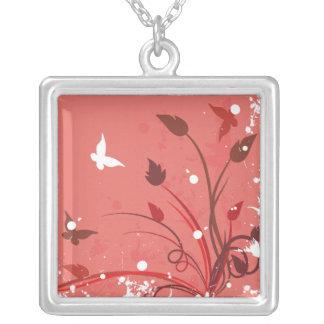 Mariposa rosada del Grunge Collares Personalizados
