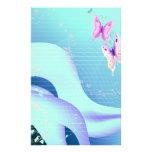 Mariposa rosada en ondas de inmóvil azul  papeleria