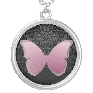 Mariposa rosada magnífica collar plateado