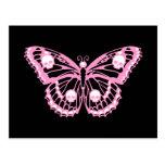Mariposa rosada malvada tarjeta postal