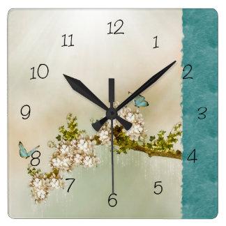 Mariposa serena del trullo numerada reloj de pared