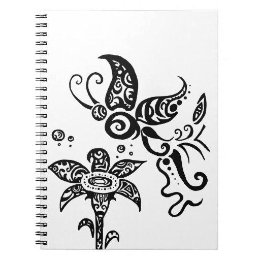 Mariposa tribal blanco y negro libros de apuntes