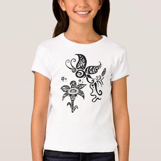 Mariposa tribal blanco y negro playera