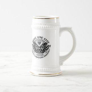 Mariposa tribal del enfisema jarra de cerveza