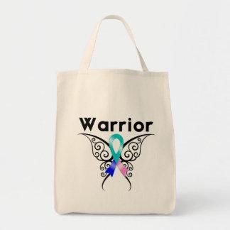 Mariposa tribal del guerrero del cáncer de tiroide bolsas de mano