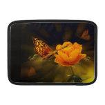 Mariposa y flor funda  MacBook