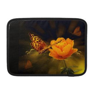 Mariposa y flor funda macbook air