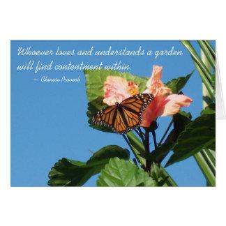 Mariposa y flores chinas del proverbio felicitaciones