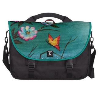 Mariposa y flores de cerezo bolsa para ordenador