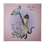 Mariposa y margaritas del gato siamés azulejo ceramica