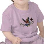 Mariposa y mariposas a todo color por el Al Río Camiseta