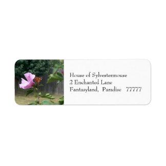 Mariposa y rosa de las etiquetas de dirección de S