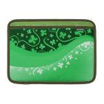 Mariposas abstractas verdes y blancas funda macbook air